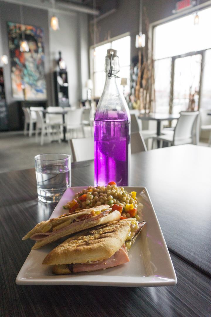 Exode Cafe - Jennifer Dore Dallas - repas
