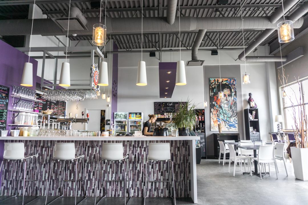 Exode Cafe - Jennifer Dore Dallas - salle