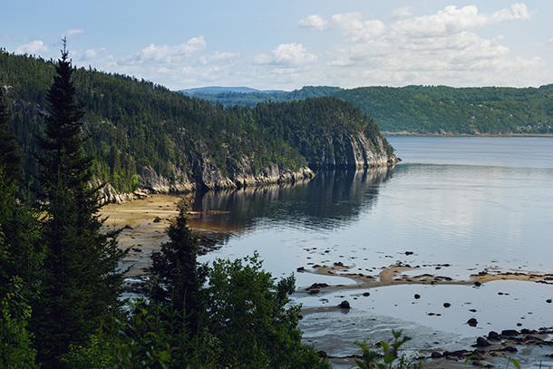 Vue sur la plage de Petit Saguenay