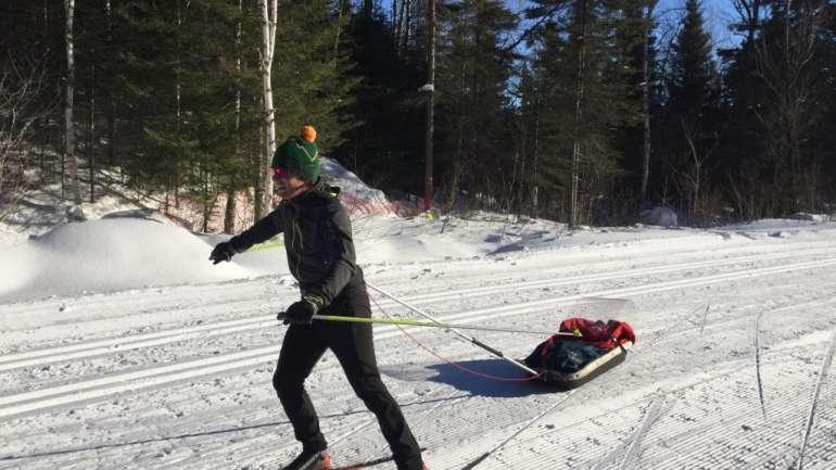 À pas de patin avec la petite famille (Club de ski de fond Le Norvégien)