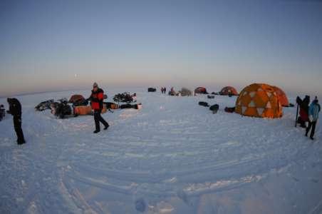 Campement aménagé afin de permettre de séjourner confortablement (Crédit photo: Fondation sur la Pointe des Pieds)
