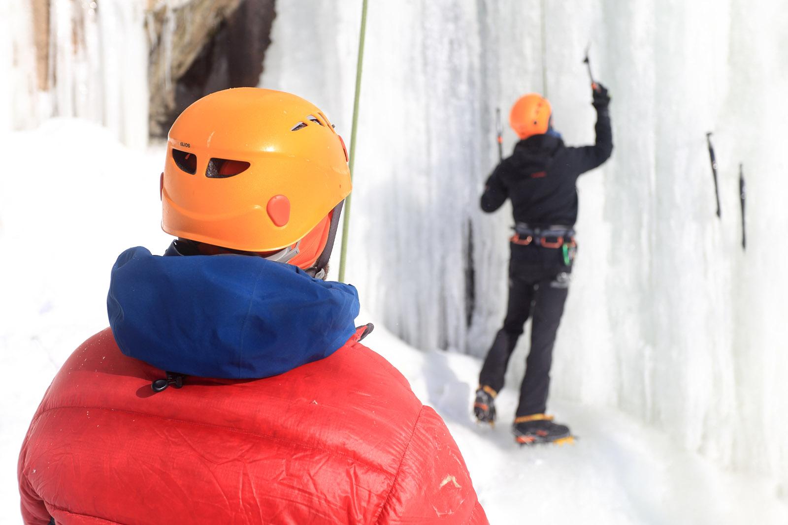 Escalade de glace avec Parcours Aventures École d'escalade