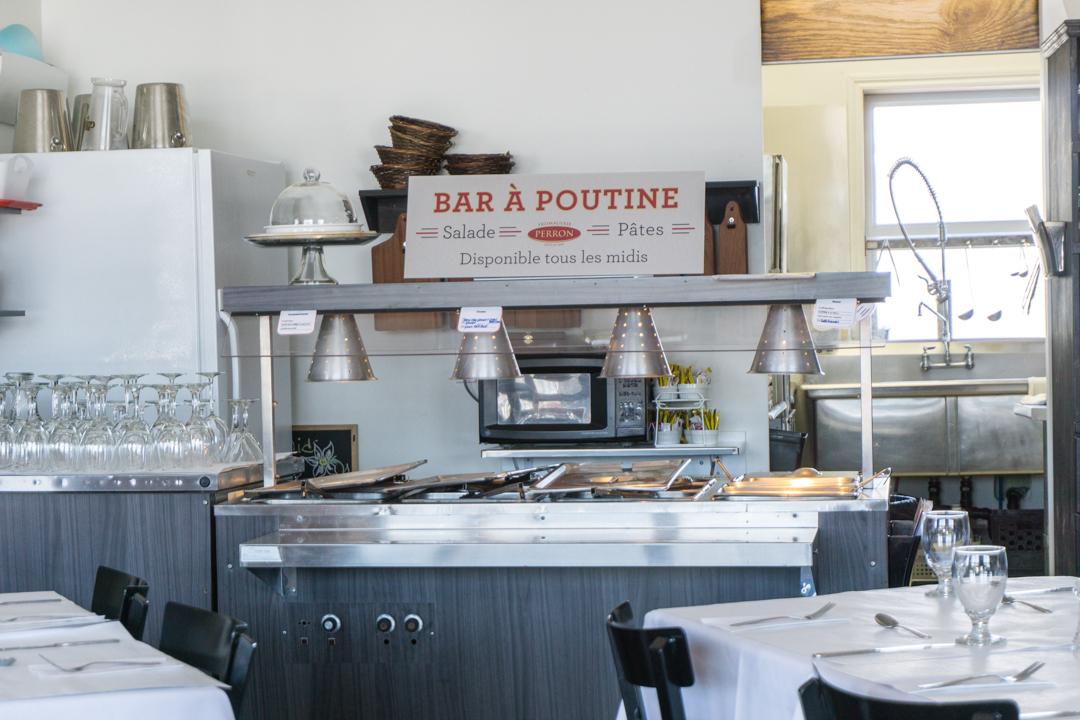 Bar à poutine du restaurant Chez Perron ©Jennifer Doré Dallas